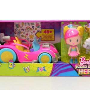 Barbie Ve světě her set s autem DTW18