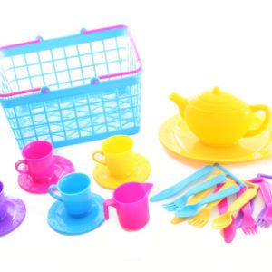 Košík s čajovým servisem